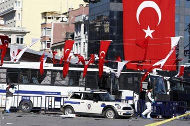 Stambule per mirtininko išpuolį sužeisti 32 žmonės (papildyta)