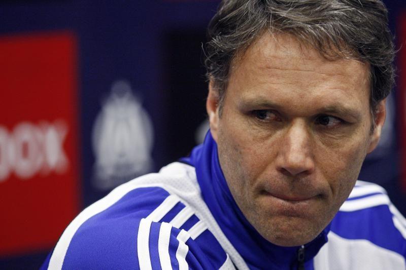 "M. van Bastenas gali stoti prie ""Chelsea"" vairo"