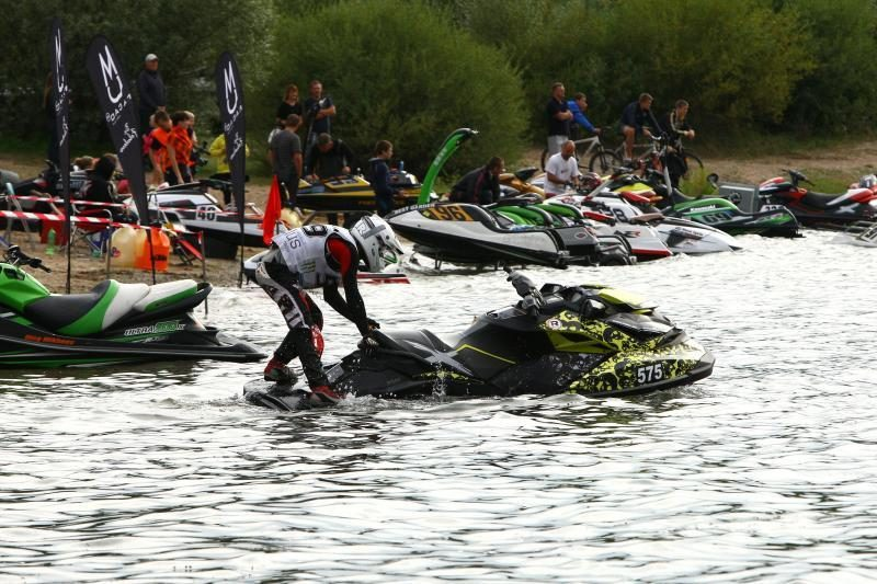 Lampėdžių karjere – vandens motociklų kovos