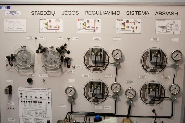 """Santakos"" slėnio mokslo technologijos – parodoje ""Balttechnika 2010"""
