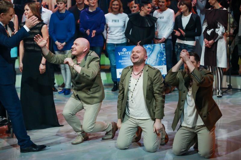 Kauno choras neatsigina pasiūlymų koncertuoti (pirmų repeticijų video)
