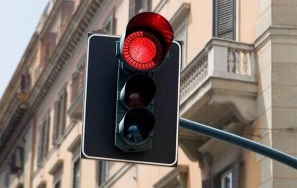 Teatralai tapo eismo taisyklių pažeidėjais