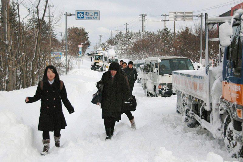 Japonijoje dėl gausaus sniego didėja žuvusiųjų skaičius