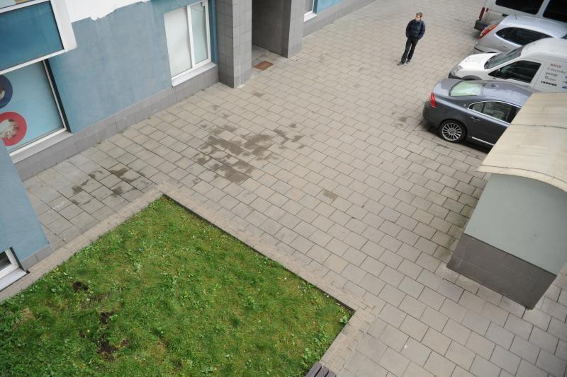 Vilniuje užsimušė iš aštunto aukšto balkono iškritę du jaunuoliai