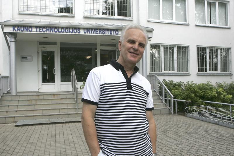 KTU gimnazijos direktorius: esu labai nepatenkintas egzaminų rengėjais