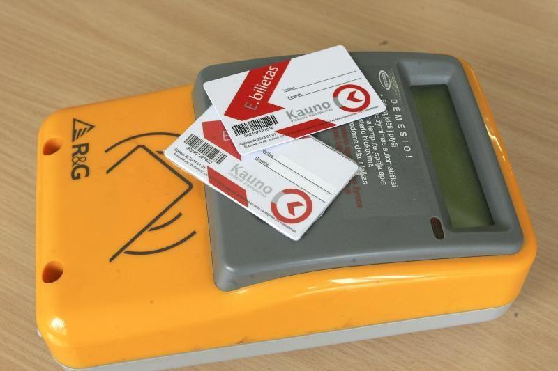Pirmadienio rytą sujaukė sutrikusi e-bilieto papildymo sistema