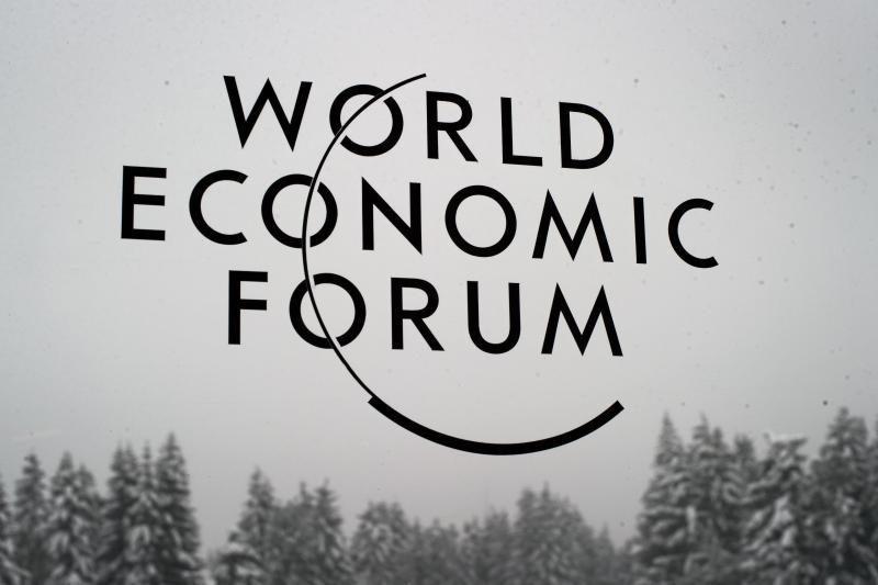 Pasaulio elitas Davose ieškos naujo kelio kapitalizmui