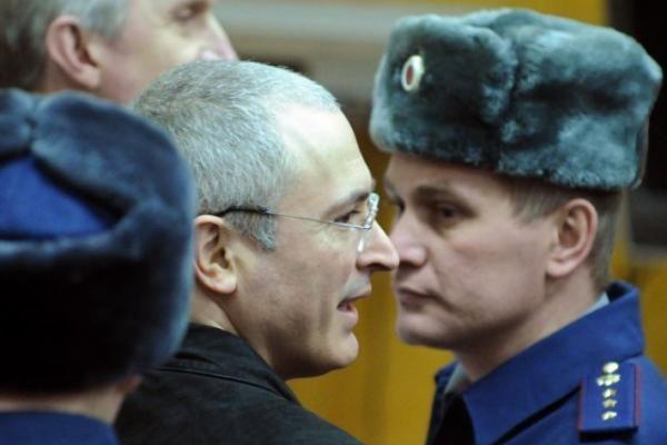 Rusijos Aukščiausiasis teismas sušvelnino nuosprendį buvusiam naftos magnatui M. Chodorkovskiui