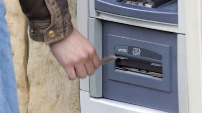 Du didžiausi šalies bankai įveda kainodaros pokyčių