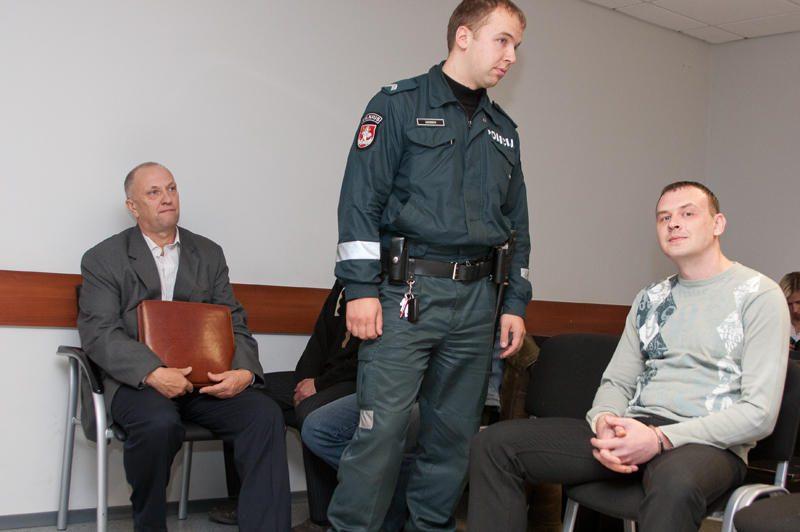 Valstybės kaltintojas prašo buvusį Seimo narį įkalinti trejiems metams