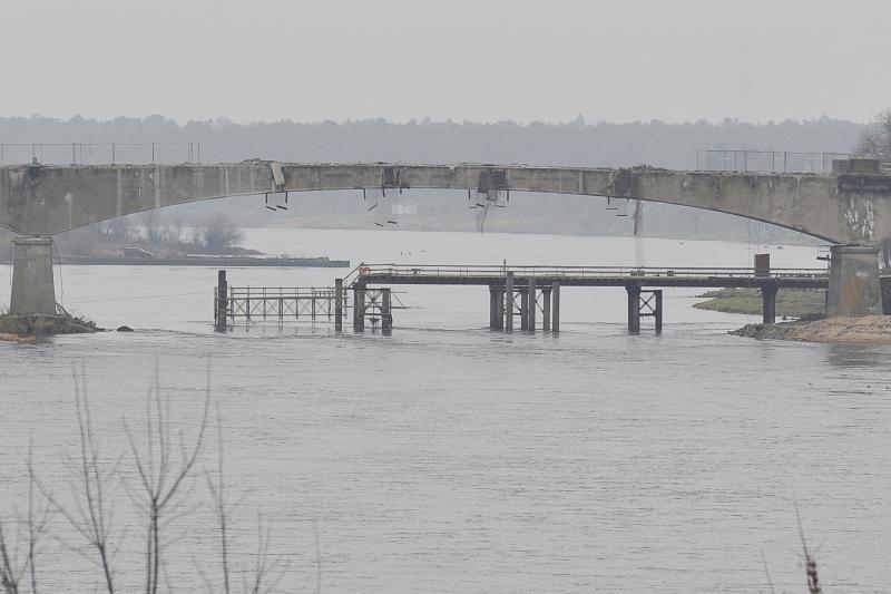 Panemunės tiltą išdraskė sprogimas, laukia dar penki bandymai