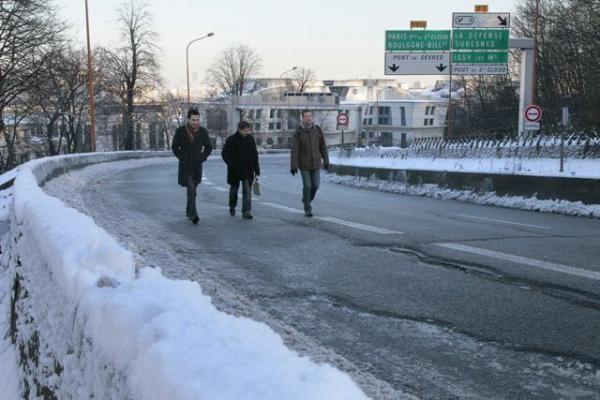 Apsnigtą Paryžių sukaustė ledas