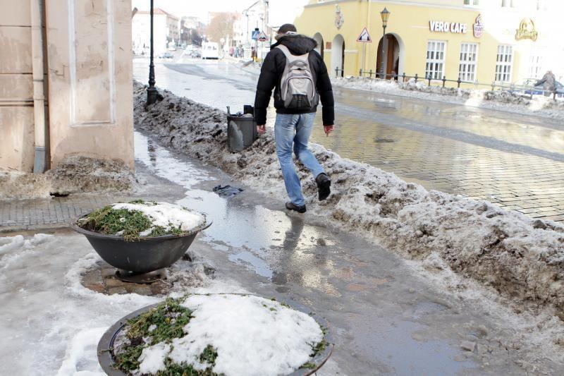 Šalčių sukeltus rūpesčius Klaipėdoje keičia atlydžio bėdos