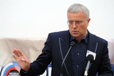 Ginkluotos pajėgos apsupo A.Lebedevo Nacionalinį rezervų banką