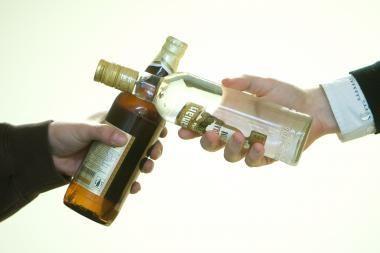 Vilniuje sulaikyta 19 tūkst. degtinės butelių kontrabanda