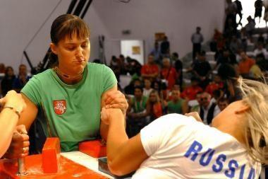 E.Vaitkutė ir K.Taranauskas – pasaulio rankų lenkimo čempionai