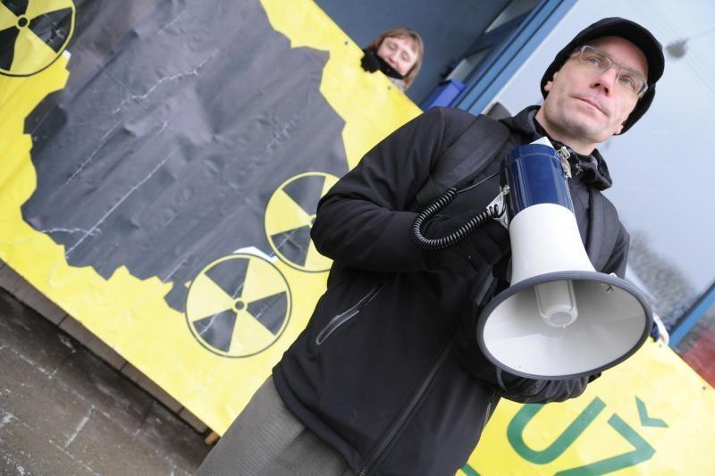 Prie ambasadų – protestai prieš atomines elektrines