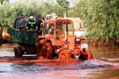 Vengrijoje po pramonės avarijos nebeliko gyvybės Marcalio upėje