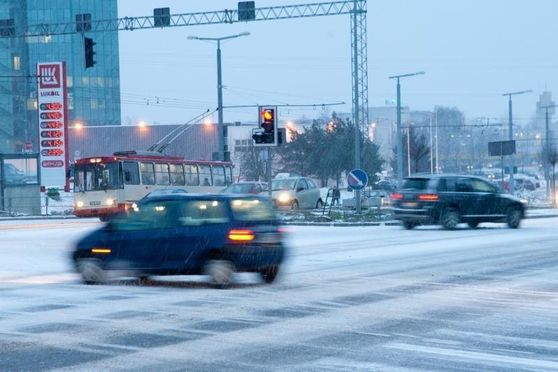 Pirmadienio rytą Vilniuje užfiksuota 15 eismo įvykių