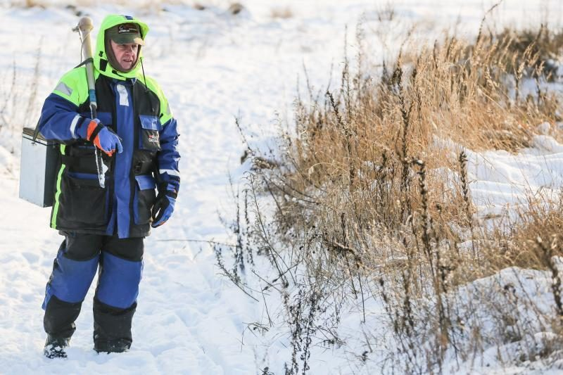 Ant Lampėdžių ežero ledo žvejai nepaiso pavojaus