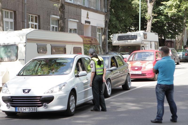 Ukrainoje bus konfiskuojami automobiliai su užsienietiškais numeriais