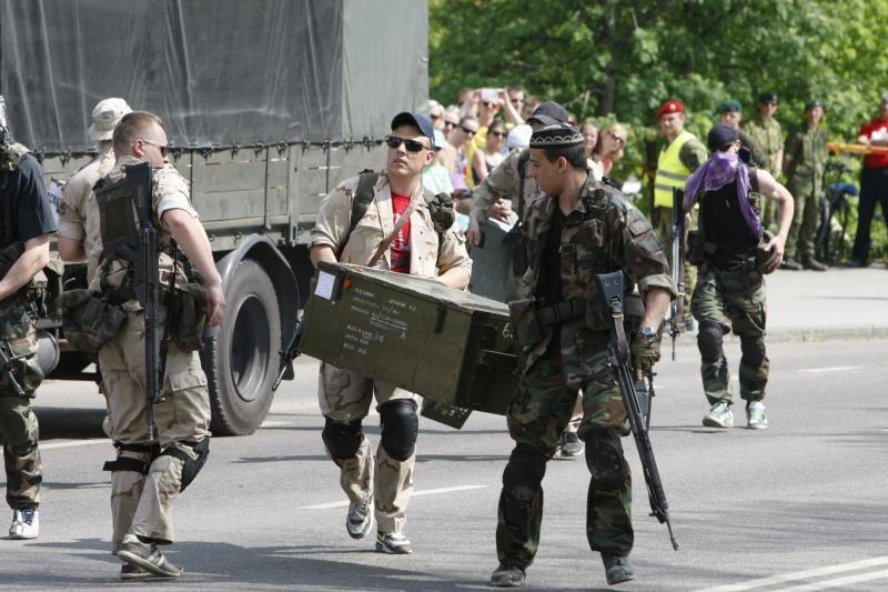 Karinės technikos gaudesys įvarė baimės klaipėdiečiams