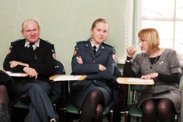 Policininkams ir socialiniams darbuotojams - žinios apie jaunimo judėjimus