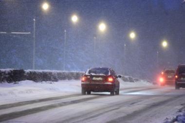 Vakarų Lietuvoje eismo sąlygos sudėtingos