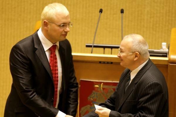 Išrinktieji parlamentarai pradeda ruoštis darbui