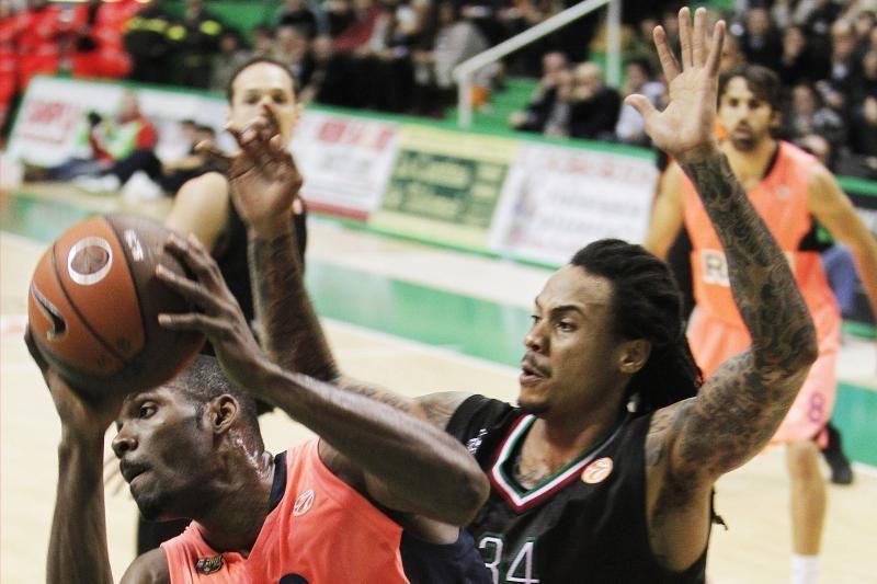 Italijos vyrų krepšinio lygos lyderis iškovojo tryliktąją pergalę