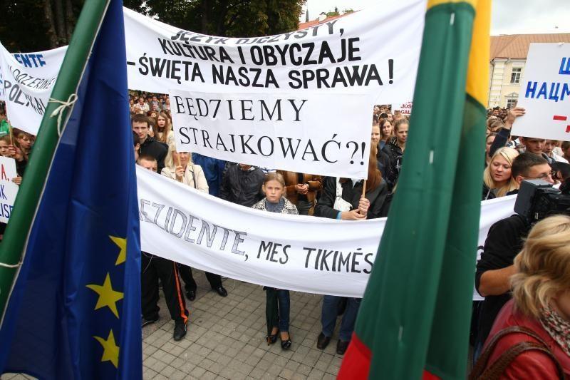 Į protestą Vilniuje iš Varšuvos atvyks autobusas lenkų nacionalistų