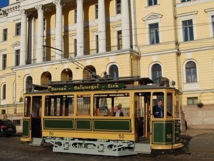 Helsinkio gatvėse – šimtametis tramvajus
