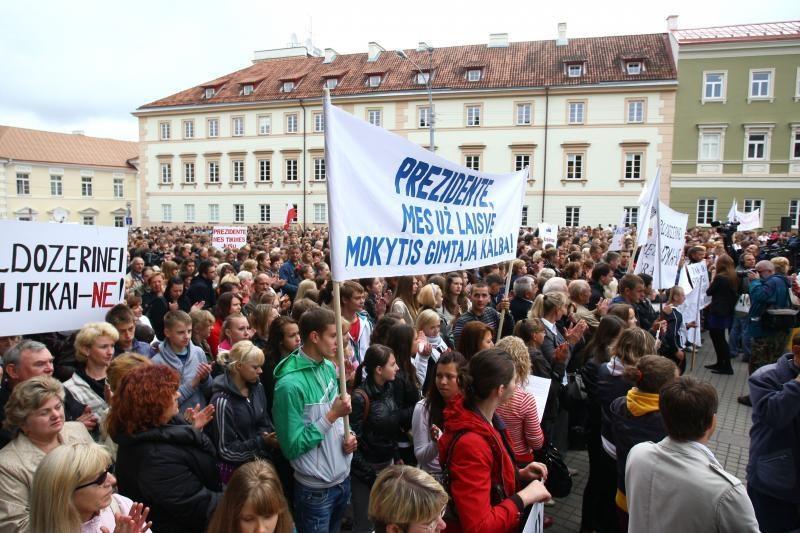 Lenkų mitingą remia Lietuvos mokytojų profesinė sąjunga