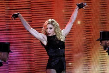 Lenkai protestuoja prieš Madonnos koncertą per Žolines