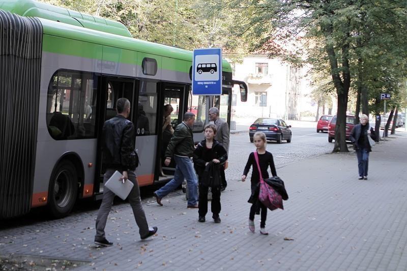 """Daugiausia keleivių į autobusus įlipa """"Bibliotekos"""" stotelėje"""