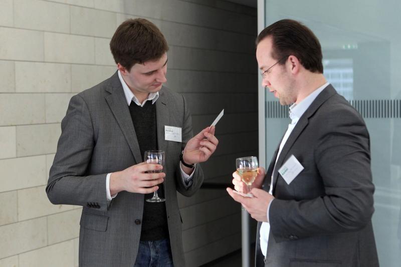 Kontaktų mainai: nuo vizitinės kortelės – iki partnerių