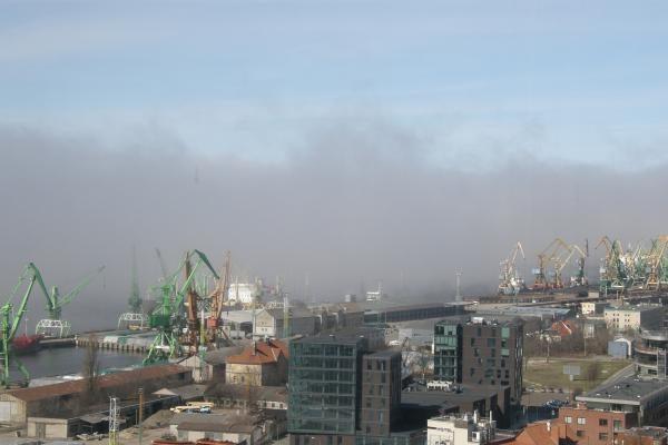 Prie Klaipėdos artėja juodo rūko masė