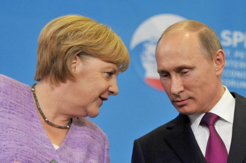 Vokietijos lyderė Merkel sukritikavo Rusijos ir Kinijos poziciją dėl Sirijos krizės