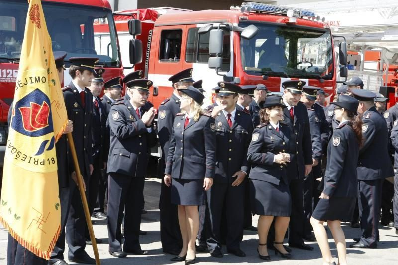 Klaipėdoje apdovanoti durpyno gaisro gesinime pasižymėję ugniagesiai
