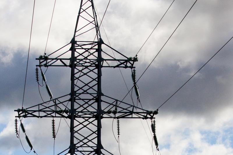 Elektros tiekimas atnaujintas visiems nukentėjusiems nuo škvalo