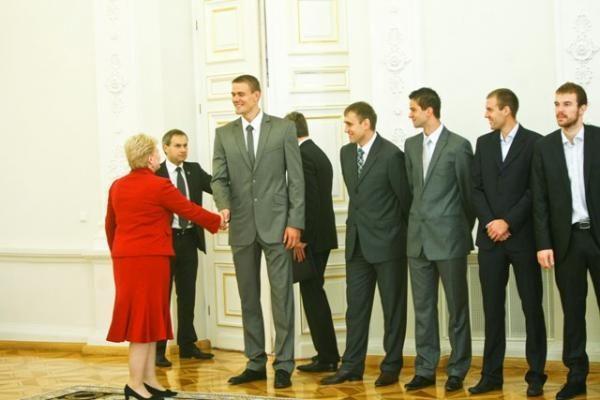 Lietuvos vyrų krepšinio rinktinei dėkojo Prezidentė