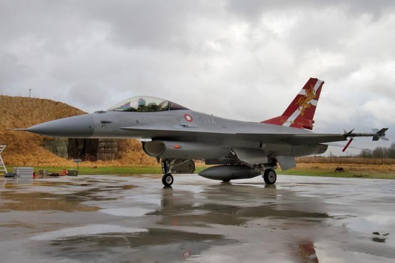 Beveik pusė gyventojų mano, kad NATO turi tęsti oro policijos misiją