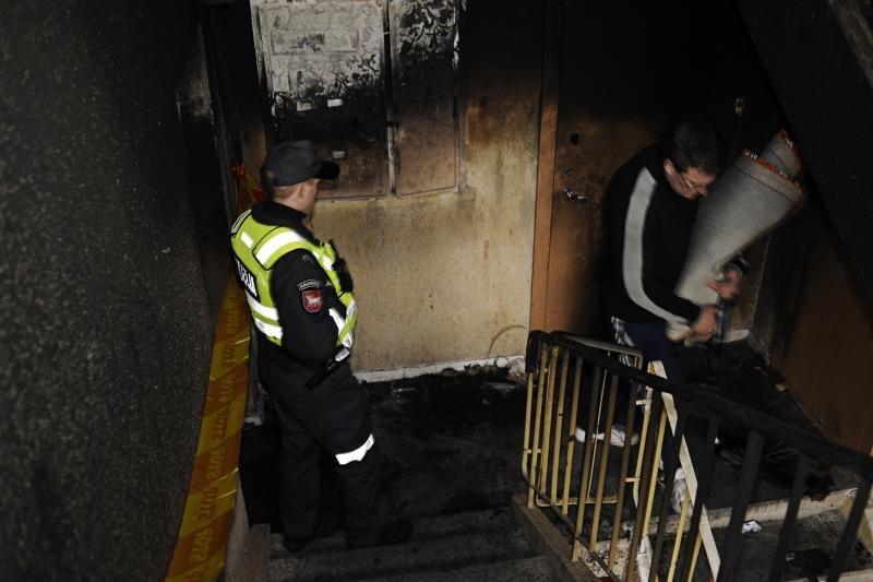 Per gaisrą nukentėjusiems daugiabučio gyventojams skirs pašalpas