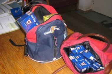 Kontrabandinių rūkalų pardavėjams talkina net vaikai