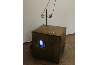 Stenančių, judančių, garsinių objektų paroda