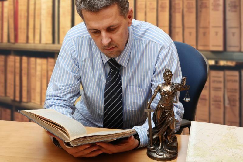 Nepasiturintieji galės pasirinkti advokatą