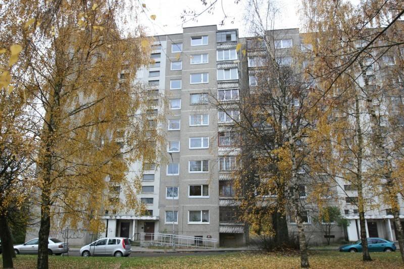 Vilniuje žuvo iš septinto aukšto iškritusi moteris