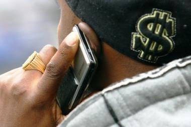 Įrodyta, jog naudojantis mobiliuoju telefonu daromas poveikis smegenų veiklai