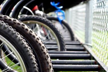 Drąsus 63-jų metų vyras sulaikė dviračius bandžiusius pavogti jaunuolius