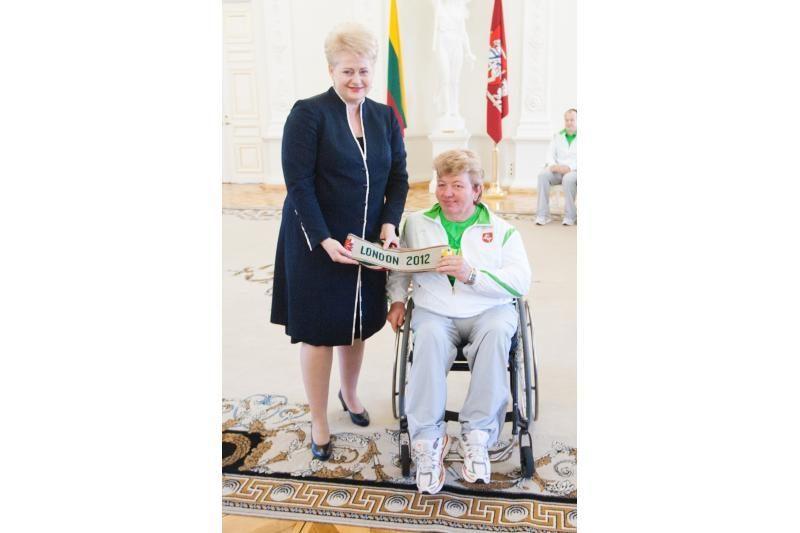 Prezidentė išlydėjo Lietuvos sportininkus į parolimpines žaidynes